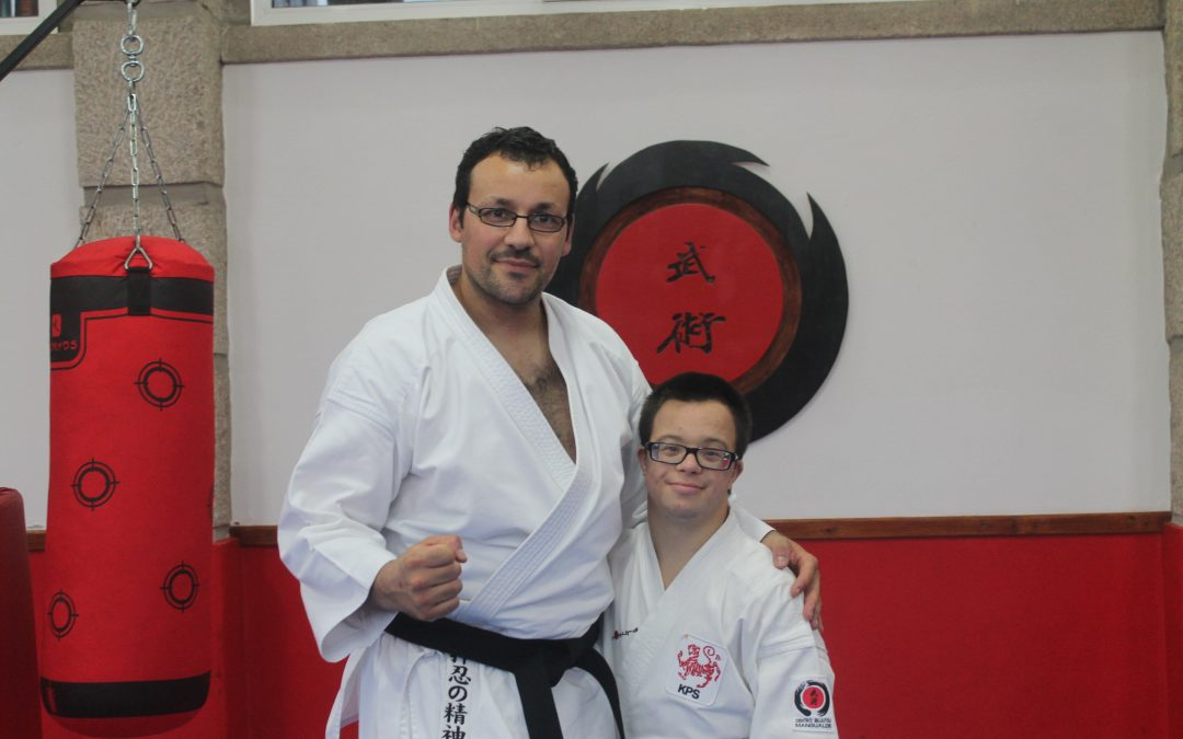 João Azevedo de partida para o Campeonato Europeu Sénior Parakaraté. Joana Venâncio em preparação para o Mundial de Shotokan