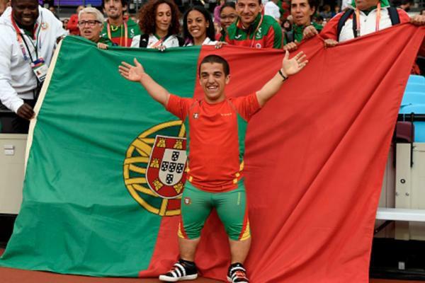 Mangualdense Miguel Monteiro, bateu hoje o recorde do mundo do lançamento do Peso