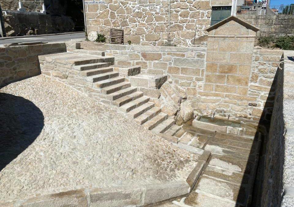 Fonte enterrada há mais de 40 anos foi reconstruída em Contenças de Baixo